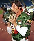 Marino Angoy...con la Worldbowl...que quedamos campeones coño