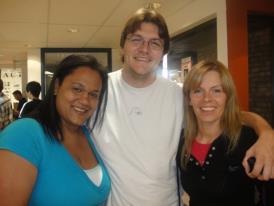 Con Jenny y Agnieska en el LSI ...learning English baby