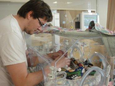 Papi y la incubadora