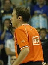 Pitar es muy dificil, pero si el arbitro deja pasar depend que puede acabar como el rosario de la aurora