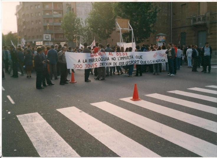 Fuente:www.sese.cat  salimos a la calle para intentar recuperar las pistas..pero perdimos