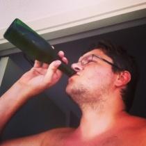 Un servidor...cerveceando como dios manda...por fin