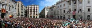 Así estaba de gente Plaça Sant Jaume