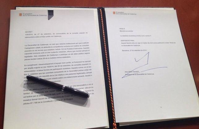 Esto que firmo l'honorable president Artur Mas...es segun algunos...inconstitucional