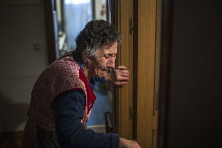 Carmen pese a la desgracia, ha tenido la suerte de que el Rayo la va a ayudar, pero ella es la imagen de miles de personas, que cada año son despojados de sus casas